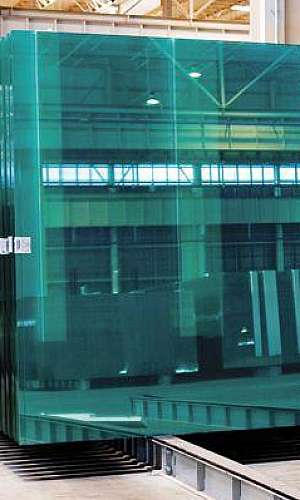 Fábrica de vidros temperados
