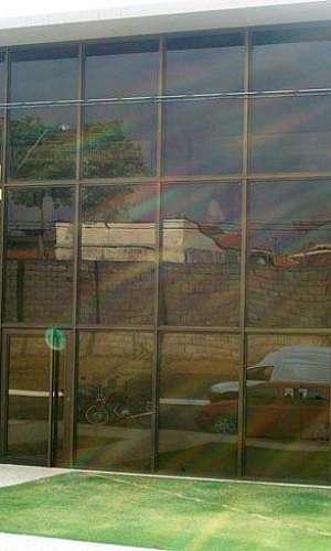 Instalação de fachada de vidro em condomínio em SP