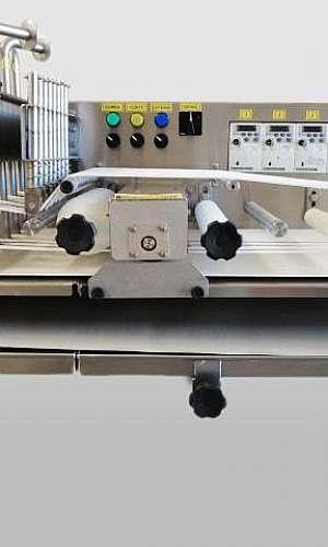 Máquina de cortar pão francês