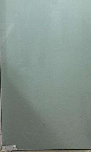 Porta de vidro temperado pivotante